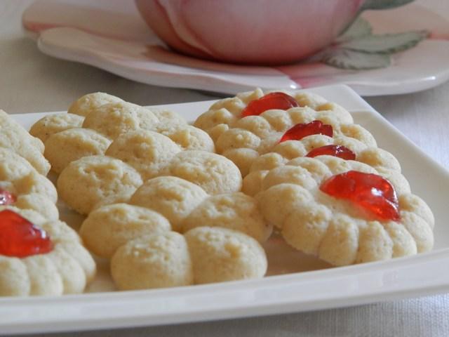 Biscotti di frolla montata alla vaniglia
