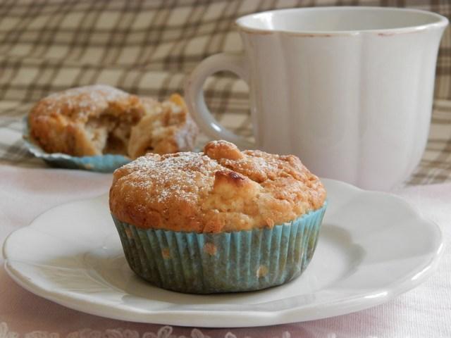 Muffin semintegrali alle mele e mandarino