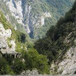 Gallerie nella roccia per arrivare a Sauris