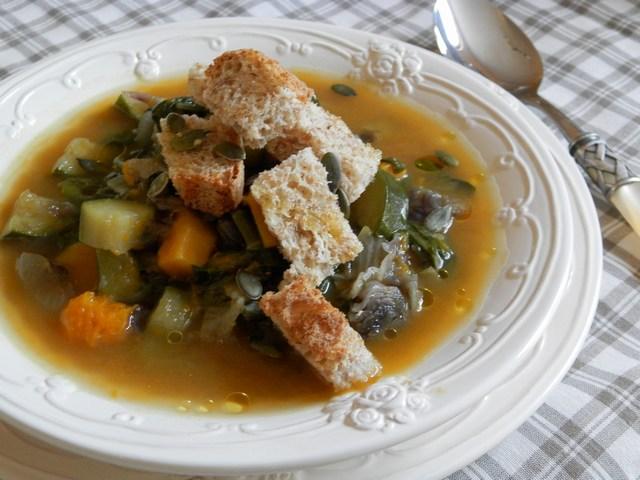 Zuppa di bieta zucchine e zucca