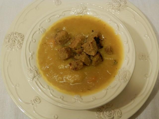 Zuppa cremosa di verdure invernali