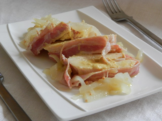 Petto di pollo al forno alla pancetta e senape