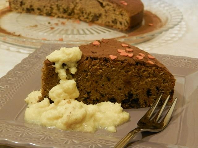 Torta al cioccolato con crema allo zenzero e cannella
