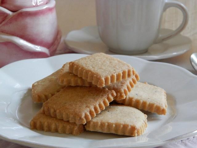 Biscotti friabili alle spezie