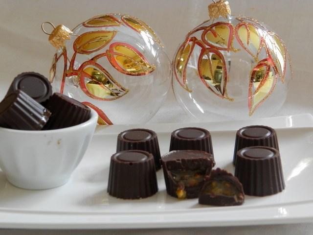 Cioccolatini fondenti con cuore di arancia