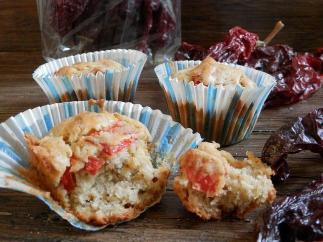 Muffin salati semintegrali con peperoni cruschi