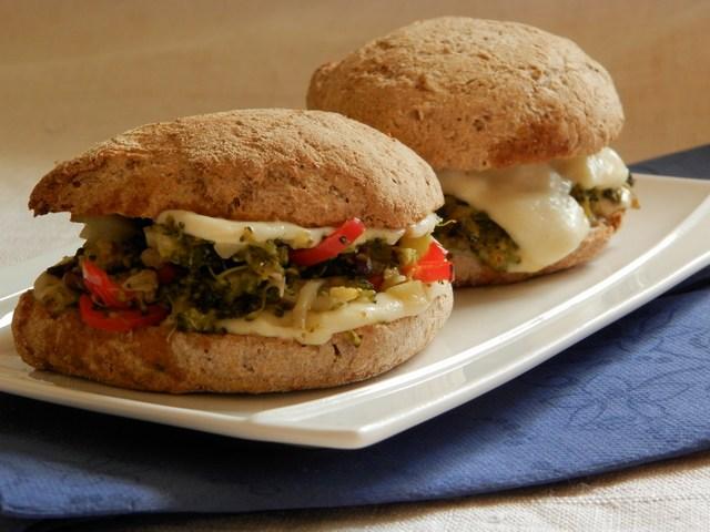 Panino broccoli e doppia mozzarella