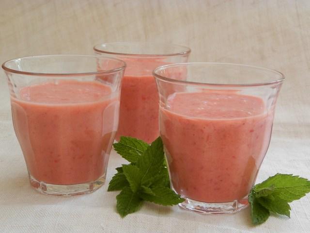 Smoothies di fragole e yogurt