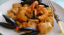 Calamarata di Gragnano al sapore di mare con scarola