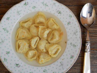 Tortelloni in brodo vegetariani