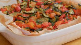 Torta salata leggera ai peperoni e zucchine