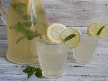 Limonata alla menta e lime