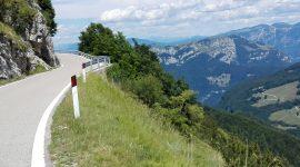 In moto sull'Altopiano Brentonico passando per il Santuario di Madonna della Corona