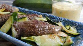 Involtini filanti alle zucchine con maionese al basilico