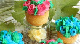Muffin cruffin e decorazione con beccucci