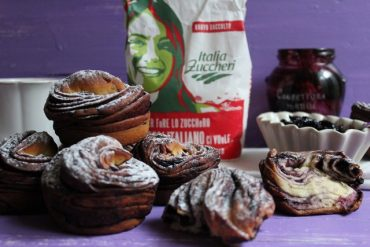 Cruffin cuor di mirtillo