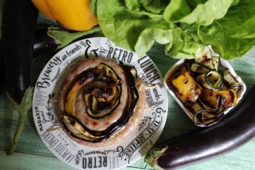 Girelle di salsiccia e verdure alla griglia