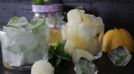 Cubetti di ghiaccio aromatizzati alla menta e limone