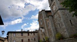 Solcando le terre del Chianti Classico tra vigneti e borghi medievali
