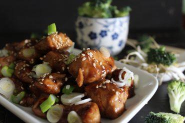Pollo teriyaki – bocconcini di pollo glassati con salsa di soia