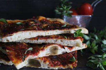 Pizza romana alla marinara piccante – con impasto del maestro Bonci