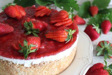Cheesecake alle fragole con mascarpone e ricotta