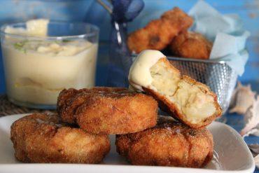 Crocchette fritte di pesce spada e patate con maionese al lime