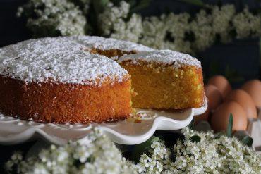 Torta paradiso allo yogurt con arancia e vaniglia